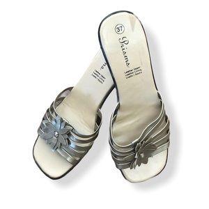 Prisms Leather Silver sandal heels square toe